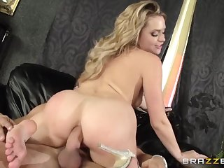 Railing battle inbetween 2 skillful sex industry stars Mia with an increment of Alexis