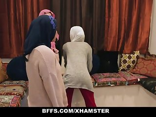 BFFS - Regressive Inexperienced Poonjab Girls Intrigue b passion In Their Hijabs