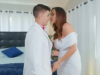 Perfectly-looking Ariella Ferrera and Jordi El Nino Polla have a tryst