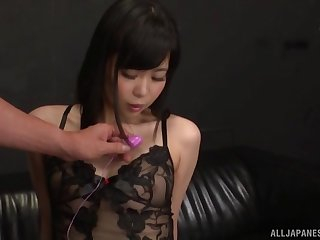 Miyamura Nanako gets her wet pussy filled with sex toys by a friend