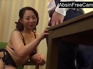 Japanese Housewife Seduce Boss for More Money