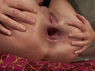 Close up video of amateur Ashley Blue having say no to ass stretched