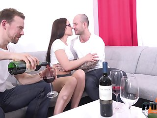 Two amateur guys fuck mouth, pussy and anus of Czech mature model Wendy Moon