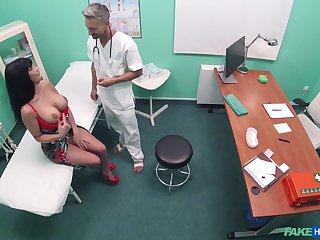 Brunette sex bomb Valentina Ricci in high heels having sex