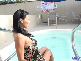 Hot single milf doesn't mind fucking with young nextdoor guy
