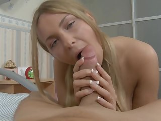 This blonde babe loves to abhor ass fucked