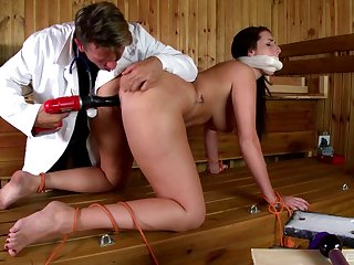 Amateur woman Paige Turnah promised and fucked by a kinky guy