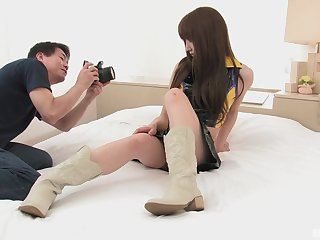 Japanese engrave Gleam Sawamoto gets creampied by a photographer